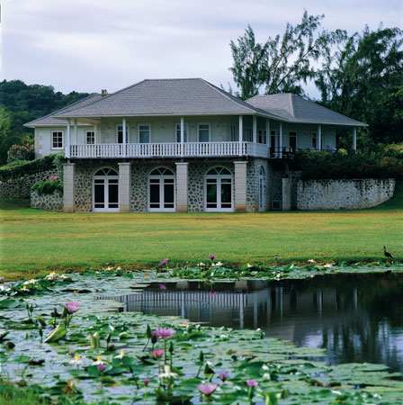 Cotton _House_spa_Pond