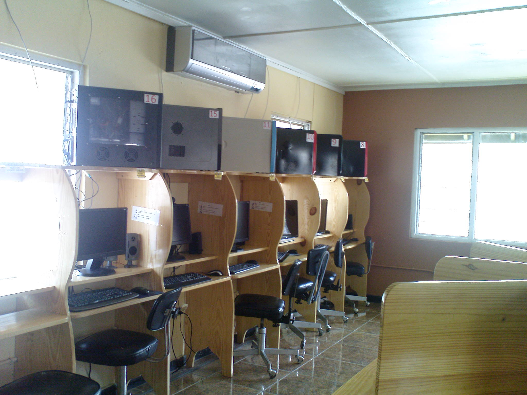 Flowers_internet _Cafe_Ocho_ Rios